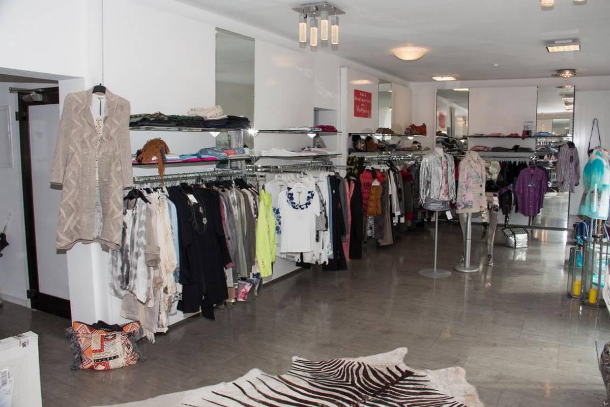 Damenmode präsentiertvon Mode-Lounge - Karin Arnold - in Freudenstadt.