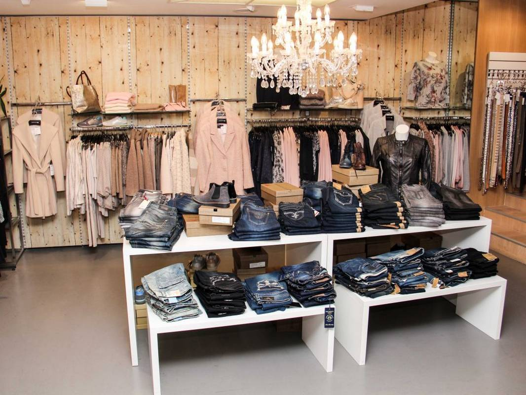 Jeans - stylish - modisch und in großer Auswahl bei Modehaus Kapphan in Backnang.