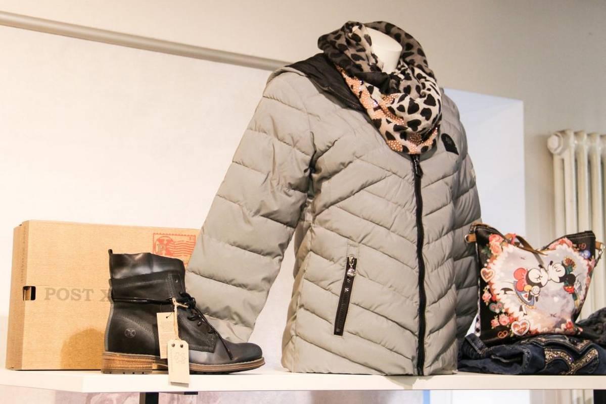 Für kühle Herbsttage - individuelle Steppjacken in großer Auswahl bei Modehaus Kapphan in Backnang.