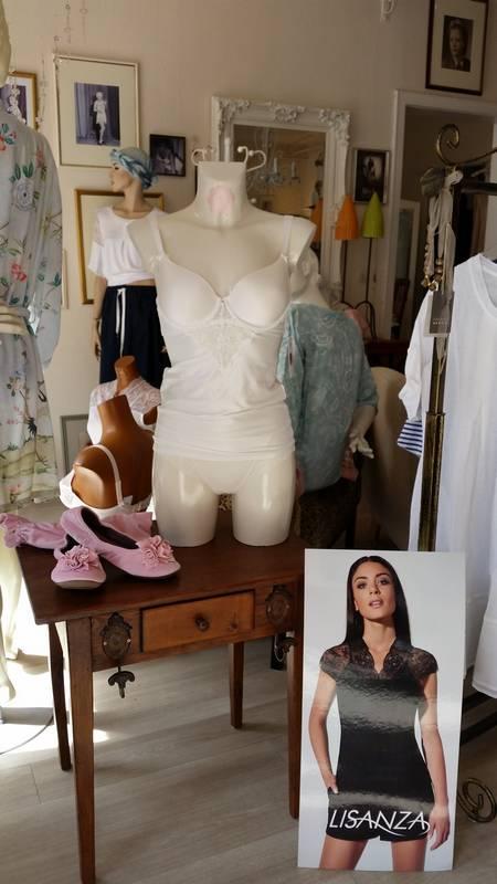 Winterfeine Wäsche-Mode finden Sie in Rastatt bei Schloß 13.