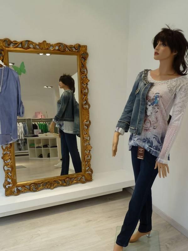 Mode für stilbewusste Damen - bei Jasmin Moden in Ludwigsburg werden Sie fündig.