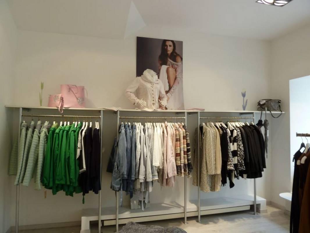 Frische Farben für die neue Frühjahrs-Mode - bei Jasmin Mode in Ludwigsburg.