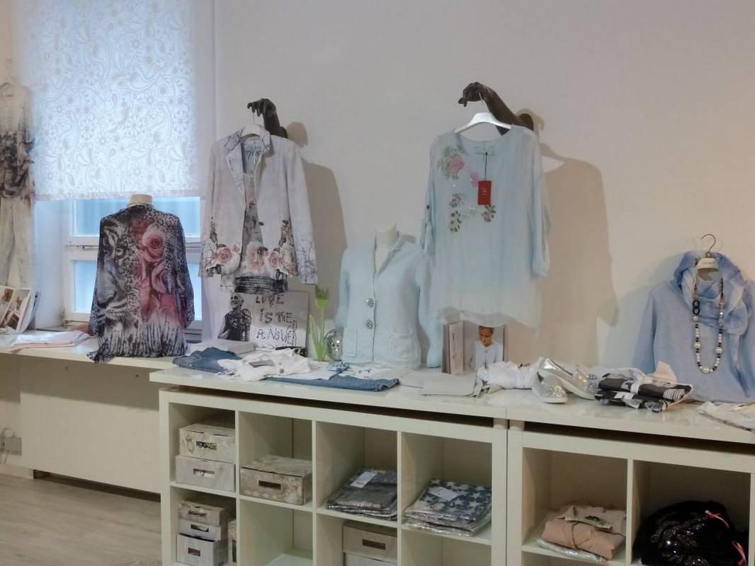 Feine Mode für Damen - zu finden bei Jasmin Mode in Ludwigsburg.