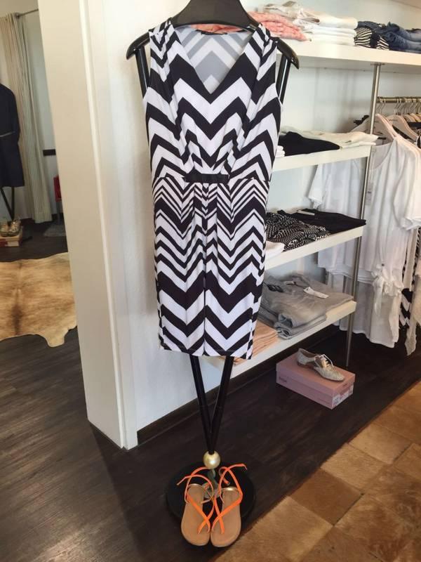 MR Damenmoden in Renningen präsentiert Ihnen die leichte Sommer-Mode - ideal für Urlaub und Freizeit...