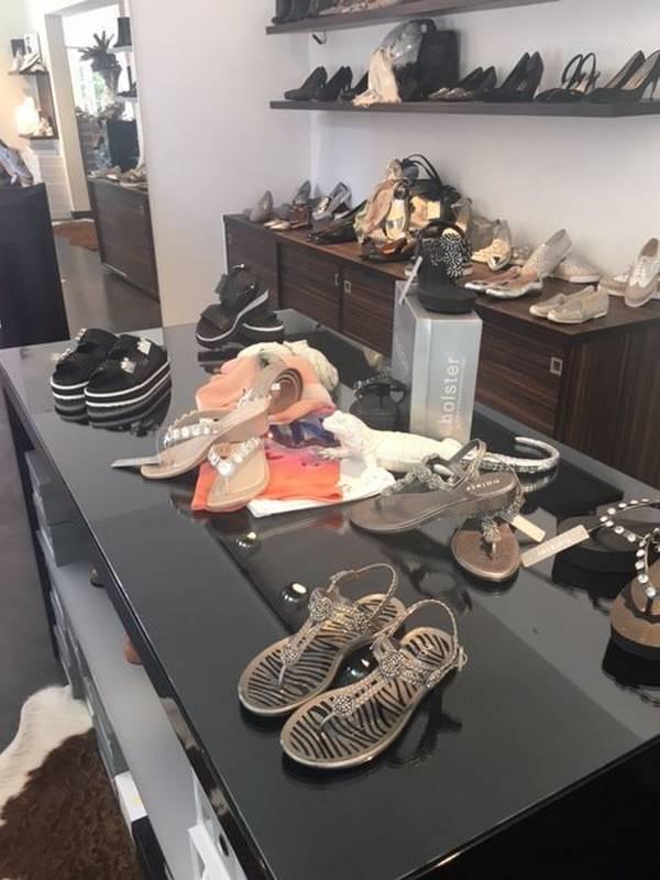Sommerliche Schuh-Mode für die Damen - zu finden bei La Boutique in Aalen.