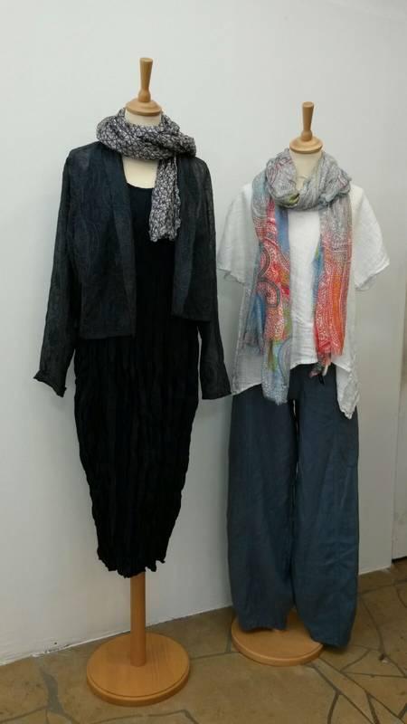 Mode aus Naturstoffen für die Damen finden Sie beim S' Hääs in Tübingen.