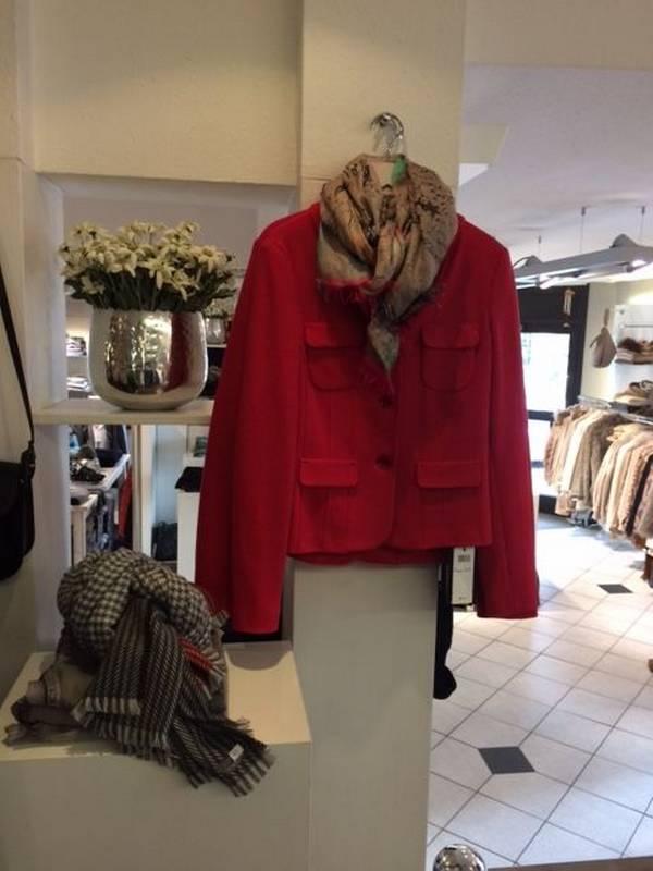 Mode für die Damen bei Petticoat in Holzgerlingen.