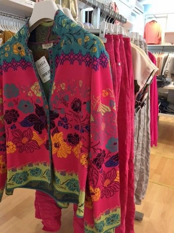 Farbenfrohe Damen-Mode für das Frühjahr 2017 bei Senger Mode in Rastatt.