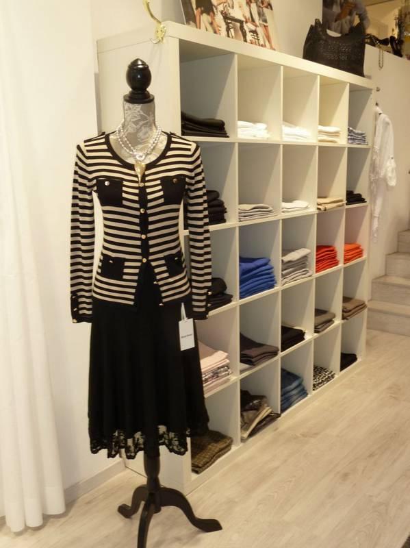 Feines Outfit für die Damen - zu finden bei Jasmin Mode in Ludwigsburg.