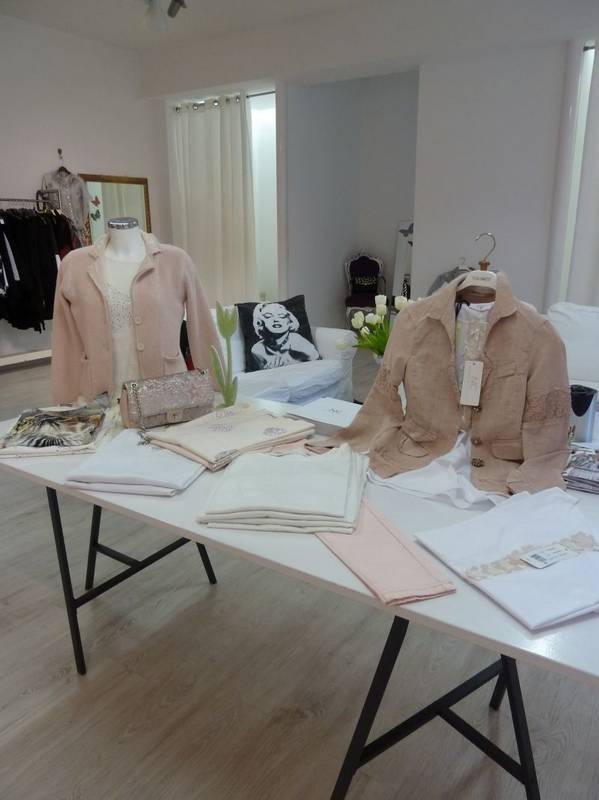 Feine Farben in der Damenmode für das Frühjahr - bei Jasmin Mode in Ludwigsburg werden Sie fündig.