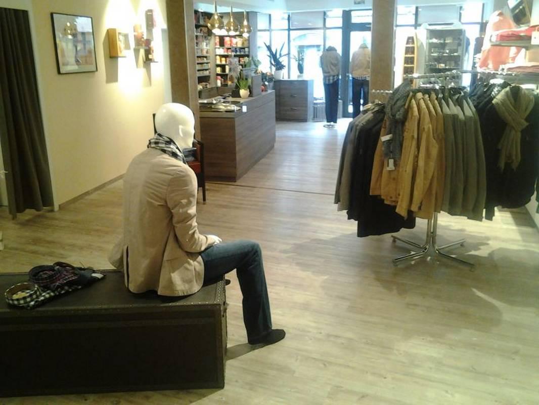 Herrenmoden Schmidt in Wolfach präsentiert sich in neuen Ladenräumen.