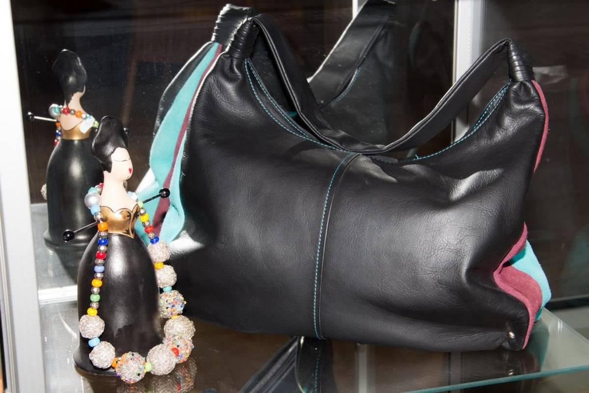 Stilvolle Mode - edle Taschen und individuelle Accessoires finden Sie bei Birgit Späth - Art Design Mode - in Bad Liebenzell.