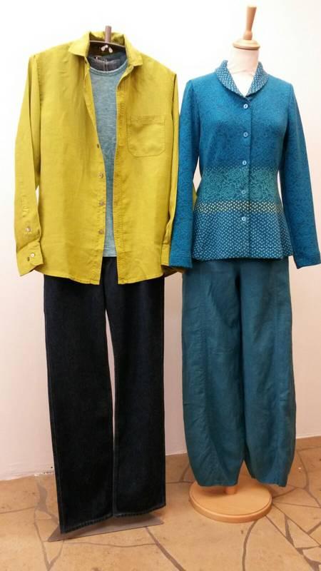 Farbenfrohe Mode für Damen und Herren beim S'Hääs in Tübingen.