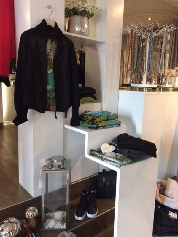 Damenmode und Accessoires bei Petticoat in Holzgerlingen.